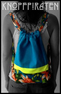 """CITY-SURFERbag """"blueHAWAIITO"""" www.facebook.com/knopfpiraten #turnbeutel #handmade #hipster #beutel #neon #stoffbeutel #strandbeutel Material Baumwolle /SchwarzMaße 32 x 40 cm"""
