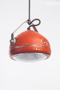 vintage headlight in red – hanging lamp – spotlight - i.- vintage headlight in red – hanging lamp – spotlight – industrial lighting vintage headlight in red – hanging lamp – spotlight – industrial lighting - Car Part Furniture, Automotive Furniture, Pendant Lamp, Pendant Lighting, Old Fashioned Cars, Diy Lampe, Rustic Lamps, Rustic Desk, Wooden Desk