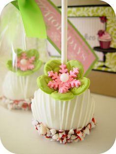 Pink Snowflake Cake Pop Via beautiful cake pictures Beautiful Cake Pictures, Beautiful Cakes, Christmas Cake Pops, Merry Christmas, Pink Christmas, Family Christmas, Pretty Cakes, Cute Cakes, Mini Cakes
