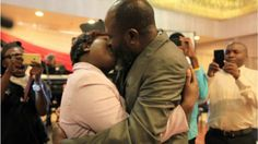 Mbunge Zimbabwe avunja rekodi ya busu Afrika - LEKULE
