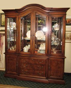Thomasville British Gentry 4 Door Lighted China Cabinet Encore Furniture Gallery Dining Room
