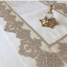 Table Toppers, Decoration, Gold Necklace, Instagram Posts, Jewelry, Lace, Needlepoint, Manualidades, Home Decoration