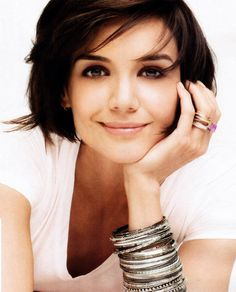 thhttp://pinterest.com/search/?q=short+hair+katie+holmes#is could work