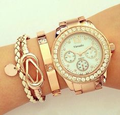 I love the whole watch bracelet love thing goin. On..