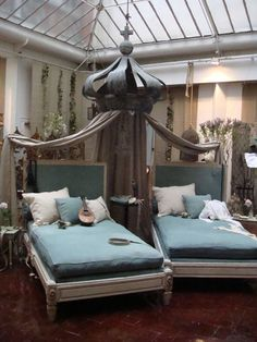 Are you kidding? This is fabulous!I want this, love the crown, obviously, but can you imagine lounging on those chaise lounge, with that fabulous light?! Love.