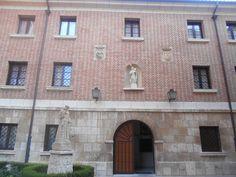Fachada convento de Santa Clara ( Clarisas )