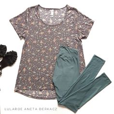 LuLaRoe Classic T and leggings outfit flatlay! #rockets #space