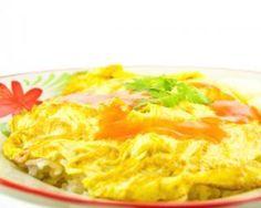 Omelette au saumon fumé maison : http://www.fourchette-et-bikini.fr/recettes/recettes-minceur/omelette-au-saumon-fum-maison.html