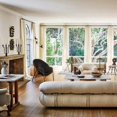 Design Stars Nate Berkus and Jeremiah Brent Show AD Their New Home - Architectural Digest Nate Berkus, Architectural Digest, Inspiration Design, Decoration Inspiration, Decor Ideas, Diy Decoration, Room Decorations, Decorating Ideas, Design Living Room