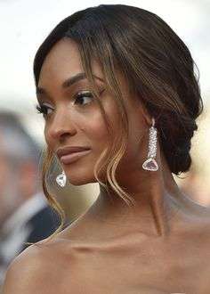 Jourdan Dunn Chignon - Jourdan Dunn looked romantic with her loose chignon at the Cannes premiere of 'The Unknown Girl.'