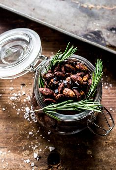 Give your snacks a boost with rosemary roasted almonds. It's the perfect healthy treat.