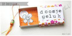 🌟Tante S!fr@ loves this📌🌟 Matchbox Crafts, Matchbox Art, Little Presents, Little Gifts, Homemade Gifts, Diy Gifts, Best Gifts, Diy For Kids, Crafts For Kids