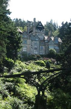 Cragside House, National Trust property in Northumberland, England. Picture taken by Dave Sumpner; en:Category:Images of England - Richard Norman Shaw