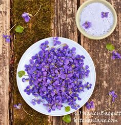 Nancy Baggett S Kitchenlane Homemade Violet Decorating Sugar Naturally Beautiful Dye Free Pastry This