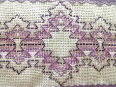 Vagonite Swedish Weaving Patterns, Swedish Embroidery, Monks Cloth, Cat Cross Stitches, Hello Kitty Wallpaper, Bead Loom Patterns, Bargello, Cutwork, Christmas Cross