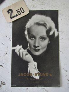 Antieke reclameplaat met een Afbeelding van MARLENE DIETRICH voor Stuvé's Nougat   ANTIEKE CDV's - tijdschriften - boeken - Ephemera   Decofrills, Brocante Antiek Stoer Industrieel Nostalgisch Retro Vintage Marlene Dietrich, Boudoir, Retro Vintage, Polaroid Film, Actresses, Eau De Cologne, Female Actresses, Powder Room, Parlor Room