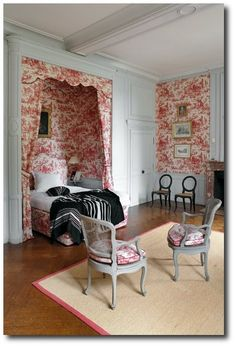 Understated, Elegant Architectural Details in this Toile Bedroom w/ an Alcove for the Bed. ~ Montgeoffrey Chateau in France Alcove Bed, Bed Nook, Beautiful Bedrooms, Beautiful Interiors, French Interiors, Interiores Shabby Chic, Interior Exterior, Interior Design, French Provincial Furniture