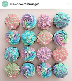 These might be the prettiest cupcakes I have ever seen and they probably taste amazing Cupcakes Design, Cake Designs, Beautiful Cupcakes, Cute Cupcakes, Cupcake Cookies, Rainbow Cupcakes, Elegant Cupcakes, Tolle Cupcakes, Mermaid Cupcakes