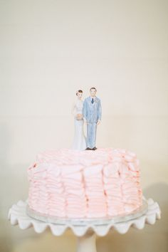 Sweet pink ruffled cake | Photography: Hunter Ryan Photo - hunterryanphoto.com  Read More: http://www.stylemepretty.com/southeast-weddings/2014/04/28/romantic-southern-affair-in-fort-myers/
