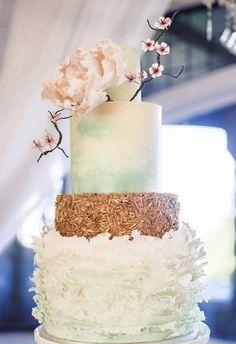 Wedding cake idea; Featured photographer: Simply Sweet Photography; Cake: Cake by Nicole