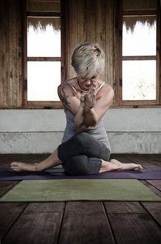 yoga pose http://papasteves.com
