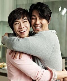 Lee Seung-Ki and Cha Seung Won -- <3 <3 (from a refrigerator commercial)