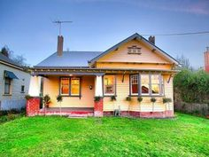 Photo of a brick house exterior from real Australian home - House Facade photo 523001