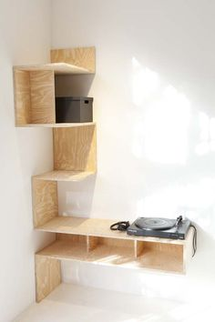 Corner shelf desk