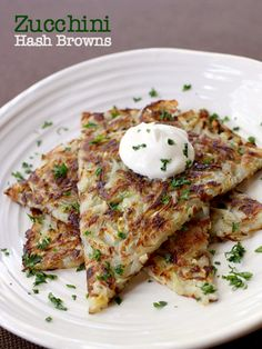 Homemade hash browns with shredded zucchini take minutes to make! www.mantitlement.com