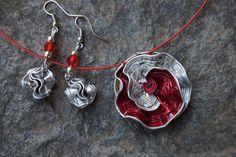 parure fleur capsule café nespresso rouge,argent, collier ras de cou et boucles d'oreille : Parure par cococreative