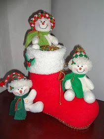 içimdeki yolculuk: kardan adam dikelim Felt Christmas, Christmas Ornaments, Reno, Amalfi, Holiday Decor, Christmas Crafts, Feltro, Amor, Christmas Decor
