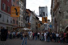 """Festival dell'economia di Trento 2011: i """"rimasti fuori"""" dopo la coda :)"""