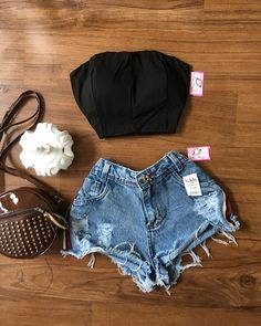 healthy living tips wellness programs for women Cute Summer Outfits, Trendy Outfits, Cool Outfits, Fashion Outfits, Womens Fashion, Tumblr Outfits, Grunge Outfits, Look Con Short, Destroyed Jeans