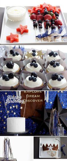 Twinkle twinkle little star party decor. Great July 4th party food ideas, too! 星空のバースデーパーティー | ベンジャミンズパーティー