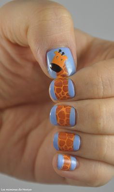 #TheSundayNailBattle // Animal nail art #nail #nails #nailart #Beauty #Fashion #pmtsknoxville #fun #paulmitchellschools #beauty #inspiration #ideas #cute #love #beautiful #giraffe #blue #black #orange #yellow  http://miminesdemaoya.wordpress.com/2012/10/21/thesundaynailbattle-25-dans-la-jungle-terrible-jungle/