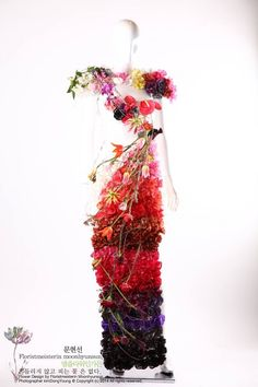 Artistry and design by Moon Hyun Sun Korea Florist Team :: The 15th International Cup Flower Design Competition in Seoul, 2015