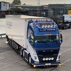 Image may contain: sky and outdoor Used Trucks, Big Trucks, Customised Trucks, Volvo Trucks, Hot Shots, Rigs, Trailers, Old School, Holland
