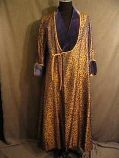 Dressing Gown Men's Late 17th C, blue gold brocade velvet C46