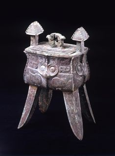 Wine vessel and cover, fangjia Date: Late Shang Dynasty, 1550 - 1050 BC