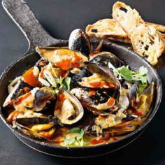 Spicy+red+curry+sriracha+mussels+
