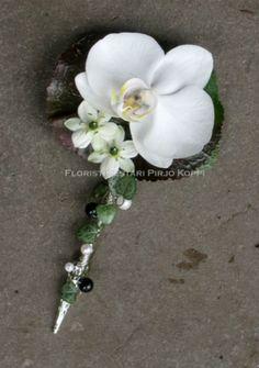 Orchid boutonnière ~ Floristry Pirjo Koppi - Breast Flowers