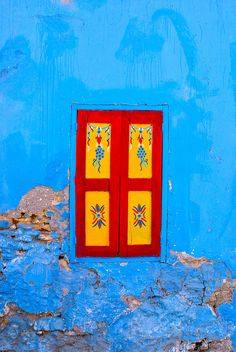 Great colors on #Rhodes #Greece window. Seen on walking tour in Rhodes by #archaeologous.com