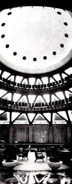 Vista interior de la sala principal, mirando hacia la cúpula pentágono, Banco Industrial de Jalisco, Avenida 16 de Septiembre esq. calle Libertad, Guadalajara, Jalisco, México 1962   Arq. Erich Coufal  -  The main room with a view towards the pentagonal dome, Banco Industrial de Jalisco, Guadalajara, Jalisco, Mexico 1962