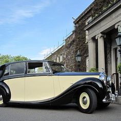 1950 Rolls Royce Silver Wraith timeless vintage car for bride grooms with style. Vintage Cars, Antique Cars, Rolls Royce Silver Wraith, Wedding Car, Dublin, 1950s, Weddings, Classic Cars