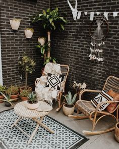 Small And Cozy Boho Patio With Rattan Furniture And Dream Catcher With Crystals - Patio - Design Rattan Furniture Small Patio Furniture, Rattan Furniture, Furniture Layout, Furniture Ideas, Furniture Design, Rattan Sofa, Dream Furniture, Furniture Nyc, Luxury Furniture