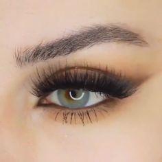 Beautiful by @mrs_akaeva #BestEyeliner Day Eye Makeup, Makeup For Brown Eyes, Glam Makeup, Makeup Lipstick, Makeup Tips, Make Up Looks, Makeup On Fleek, Insta Makeup, Makeup Looks Tutorial