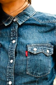 Levi Strauss & Co, known as LS&CO or just simply Levi's, is a privately maintained American clothing company renowned worldwide for its Levi's brand of denim jeans. Love Jeans, Denim Jeans, Denim Shirts, Denim Top, Estilo Jeans, Denim Fashion, Womens Fashion, Western Shirts, Mode Inspiration
