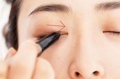 アイラインなしでまだいけると思っていませんか?アラフォーがマスターすべきアイラインの作り方まとめ | ファッション誌Marisol(マリソル) ONLINE 40代をもっとキレイに。女っぷり上々! Eyes, Tattoos, Makeup, Maquiagem, Maquillaje, Face Makeup, Irezumi, Make Up, Tattoo