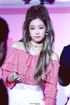 WOW Jennie girl your hair got the volume. She's my inspiration