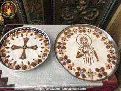 Thali Decoration Ideas, Orthodox Prayers, Decorative Plates, Packing, Homemade, Creative, Desserts, Colored Sugar, Family Meals